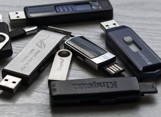 راهنمای خرید انواع فلش مموری + نکات خرید گیرنده دیجیتال موبایل