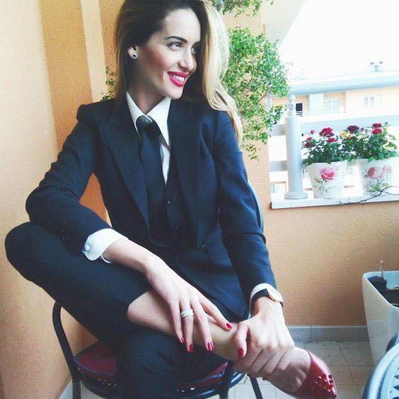 مدل شلوار دیپلمات زنانه در انواع رنگ و طرح + راهنمای خرید و ست کردن