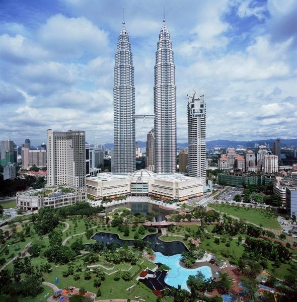 معرفی بهترین ساختمان های دنیا | بلندترین ها و مشهورترین ساختمان های جهان
