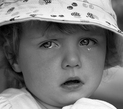 چطور موقع سفر با ماشین گریه کودک را بند آوریم؟