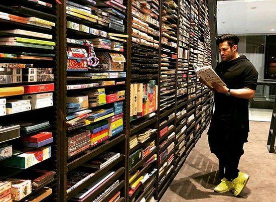ماجرای کتاب خواندن محمدرضا گلزار | سلبریتی ها دقیقا چه می کنند؟