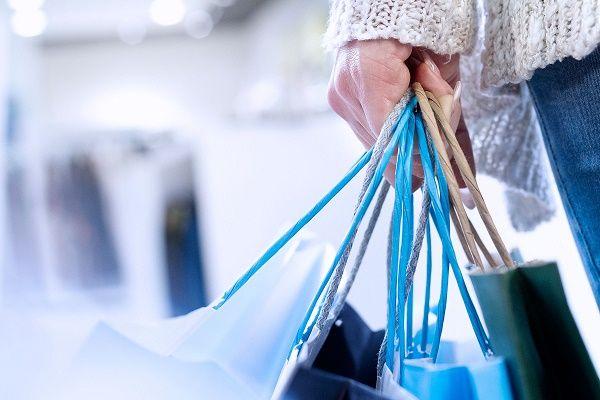 ترفندهای حساب شده برای خرید کردن + نشانه های اعتیاد به خرید