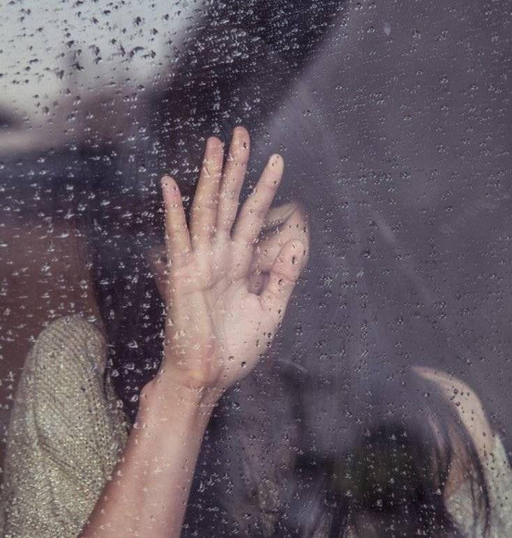 اشتباهاتی که دختران در ابتدای رابطه عاطفی انجام می دهند
