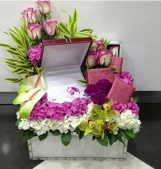 مدل تزیین کادو شب یلدا عروس | تزیین هدیه و دسته گل شب یلدای عروس
