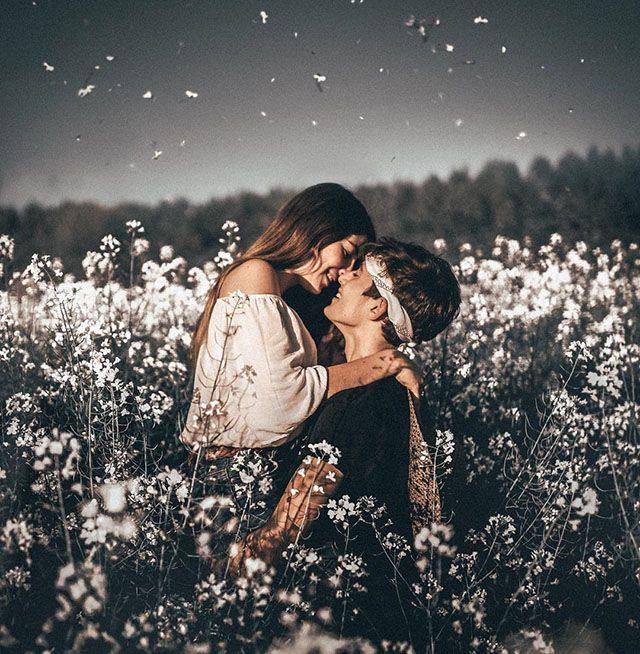 عشق واقعی چه نشانه هایی دارد؟ | 20 نشانه عاشق شدن