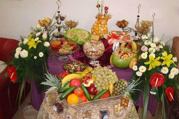 مدل های تزیین میوه برای سفره شب یلدا + ایده های جذاب برای میوه آرایی شب چله