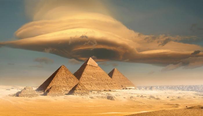 معرفی قدیمی ترین سازه های دنیا | از اهرام مصر تا آرامگاه کوروش