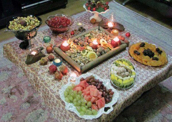 مدل تزیین سفره شب یلدا در انواع طرح های مختلف + شرح آداب شب یلدا