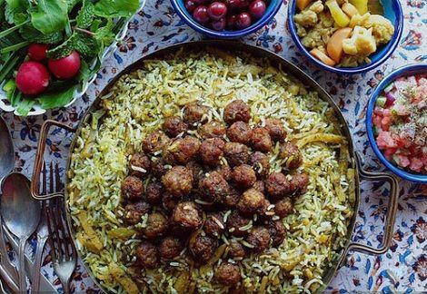 طرز تهیه بهترین غذاهای شب یلدا | از کلم پلو تا سالاد انار
