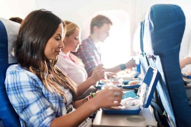 آداب سفر با هواپیما | بایدها و نبایدهای سفرهای هوایی + عکس