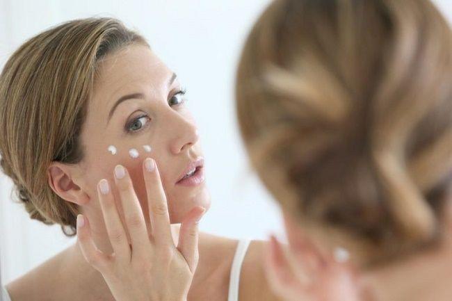 با خشکی پوست در زمستان چه کنیم | مراقبت های مهم پوست