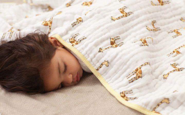 چه کنیم تا سریع خوابمان ببرد | ترفندهای کاربردی برای خواب آرام