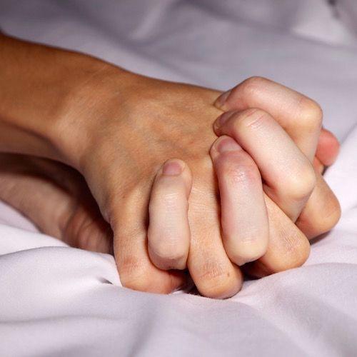 سن مناسب برای اولین رابطه جنسی | اولین تجربه در چه زمانی؟