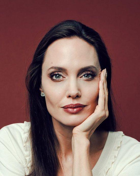 عکس های زیباترین چشم های دنیا | از آنجلینا جولی تا امیلیا کلارک