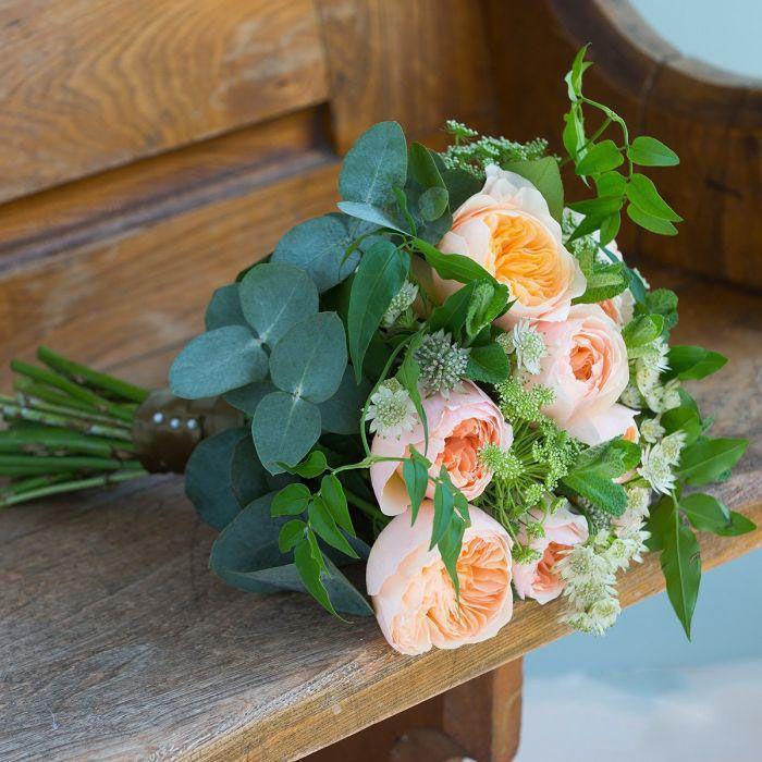 مدل دسته گل عروس مد 98 + راهنمای انتخاب دسته گل عروس در سال 1398