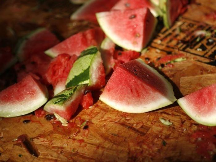 خوراکی هایی که بدن شما را سم زدایی می کنند | از چغندر تا پیاز