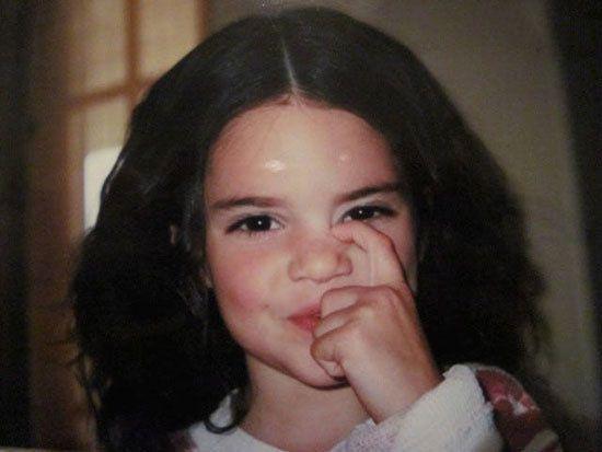 عکس کودکی سوپر استارها | از جاستین بیبر تا آنجلینا جولی
