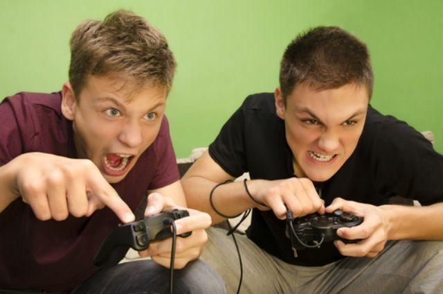 فواید و مضرات بازی های کامپیوتری   از ایجاد خلاقیت تا مشکلات خواب
