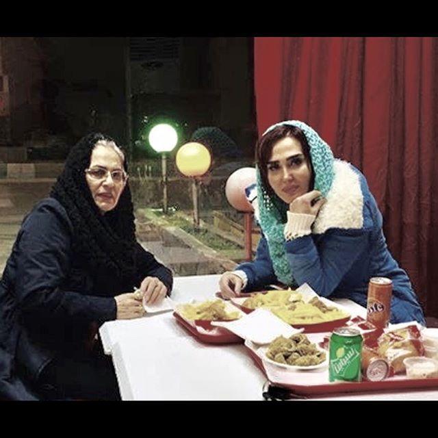 956275350 parsnaz com بیوگرافی زهره فکور صبور و همسرش + عکس های زهره فکور صبور + مصاحبه و اینستاگرام