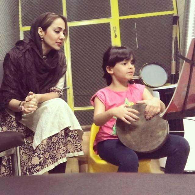 بیوگرافی مهرناز دبیرزاده و همسرش + عکس های مهرناز دبیرزاده + مصاحبه و اینستاگرام