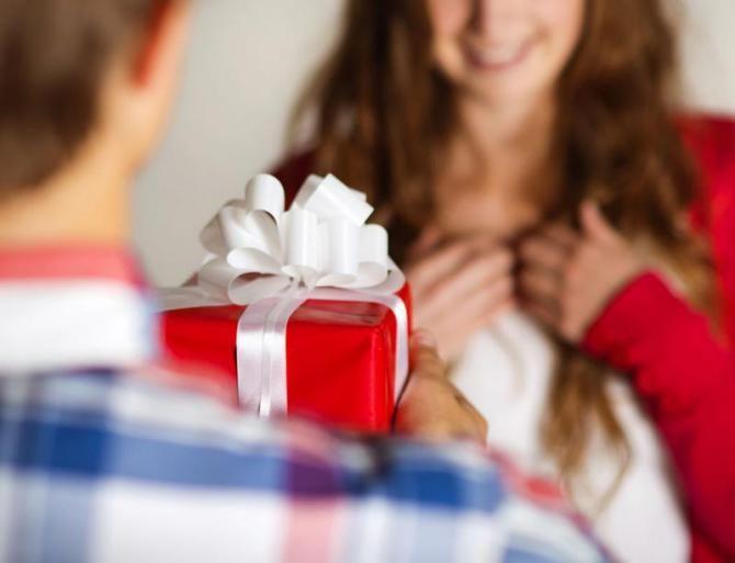 راهنمای خرید کادو تولد | چگونه بهترین کادو تولد را بخریم؟