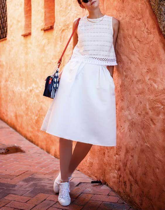 ست کردن کفش اسپرت با لباس زنانه | مدل ها و نکات کاربردی برای ست لباس و کفش