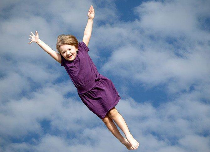 تعبیر خواب پرواز کردن | پرواز کردن در خواب چه معنایی دارد؟
