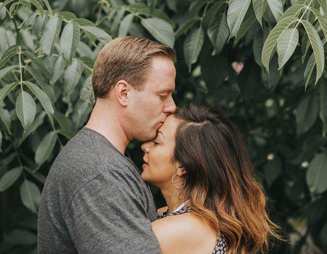 تعبیر خواب بوسیدن | دیدن خواب بوسه و بوسیدن چه معنایی دارد؟