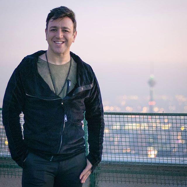 بیوگرافی امین رستمی و همسرش + عکس های امین رستمی و مصاحبه