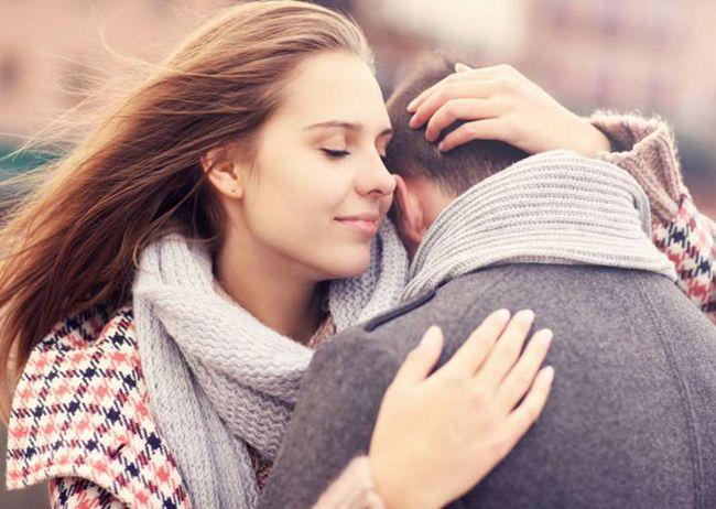 تعبیر خواب بغل کردن | دیدن بغل کردن و آغوش در خواب چه معنایی دارد؟