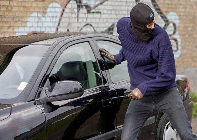 تعبیر خواب ماشین | دیدن ماشین، رانندگی و دزدیدن ماشین چه معنایی دارد؟