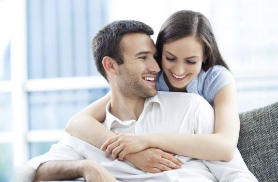 آموزش عشق بازی با همسر (بهترین روش ها + فواید عشق بازی)