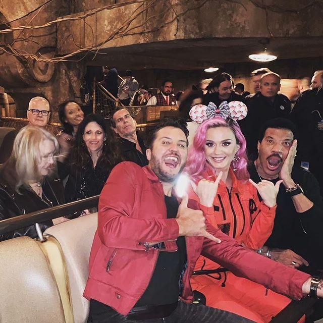 بیوگرافی کیتی پری و همسرش + عکس های کیتی پری حواشی و مصاحبه