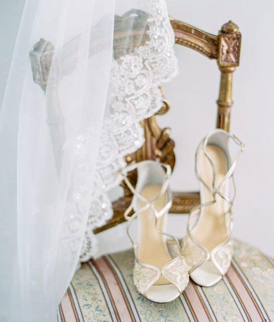30 مدل کفش عروس (بهترین مدل ها + راهنمای انتخاب و ست کردن)