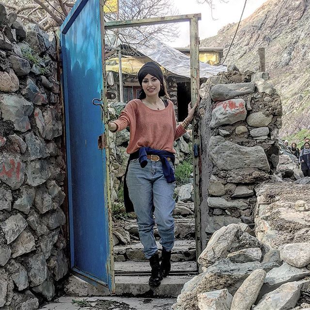 بیوگرافی شیوا طاهری و همسرش + عکس های شیوا طاهری + مصاحبه و اینستاگرام