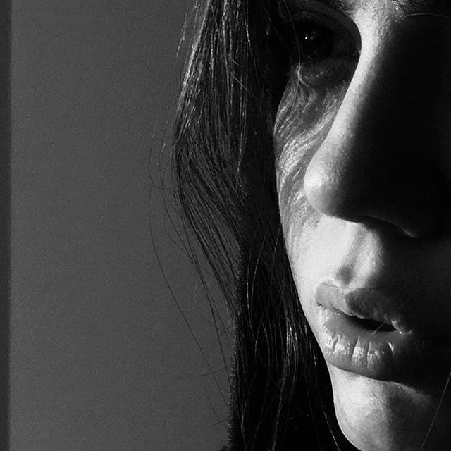 بیوگرافی آزاده زارعی و همسرش + عکس های آزاده زارعی + مصاحبه و اینستاگرام