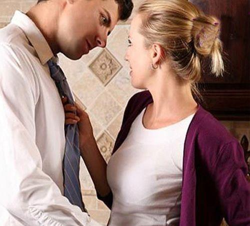 پیش قدم شدن زن در رابطه جنسی (روش ها، نکات مثبت و اهمیت پیش قدم شدن)