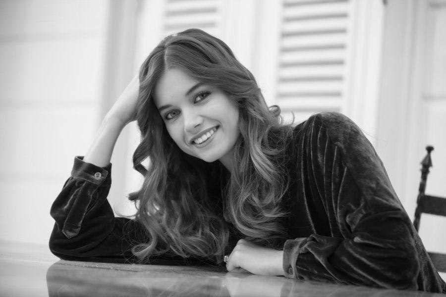 بیوگرافی افرا ساراچ اوغلو Afra Saraçoglu و همسرش بازیگر زیبای مشهور ترک