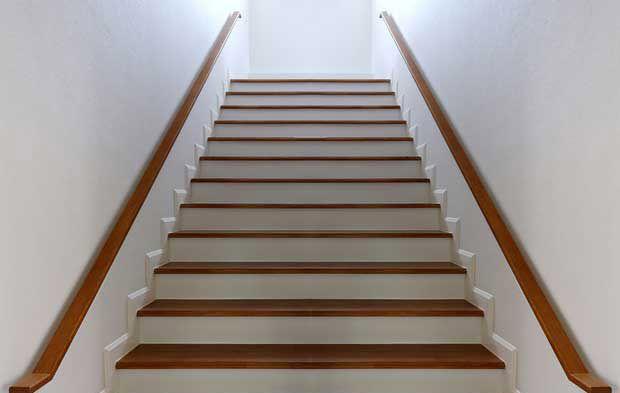 تعبیر خواب پله | دیدن راه پله و پلکان در خواب چه معنایی دارد؟
