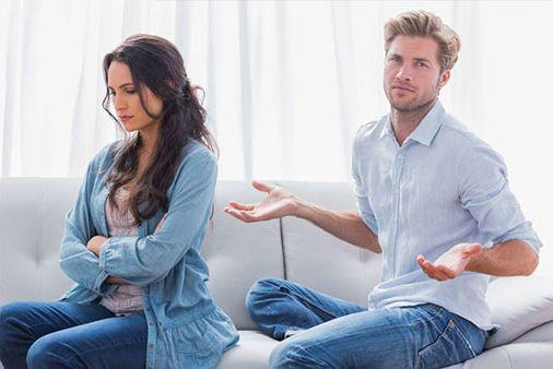 وظیفه مردان در دوران پریودی چیست؟ (چگونگی رفتار با همسر)