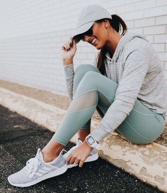 25 مدل کفش اسپرت دخترانه خارجی + راهنمای انتخاب و ست کردن