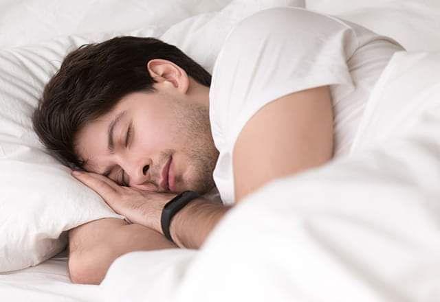 فواید خواب ظهر | چرت زدن در طول روز چه فایده هایی دارد؟
