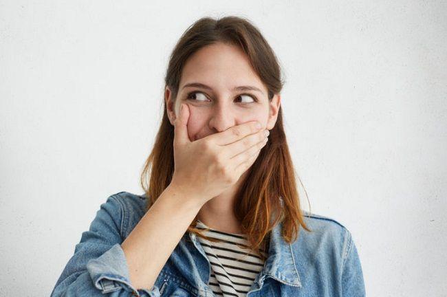 چگونه خجالت خود را کنار بگذاریم؟ ( 12 روش مقابله با خجالت )