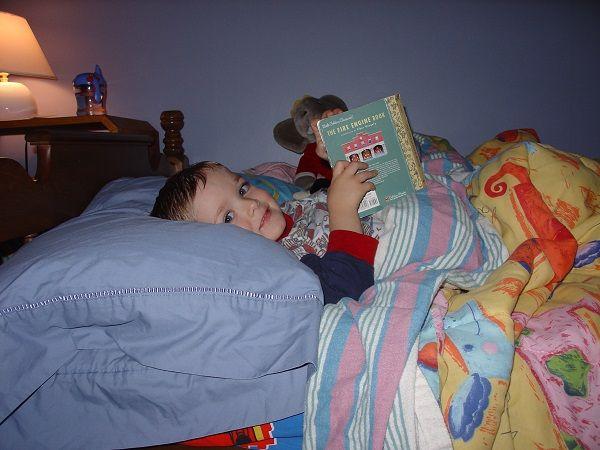 احساس خواب آلودگی در طول روز (دلایل و راه های درمان)