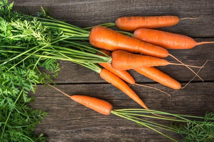 10 بهترین خوراکی برای کاهش اضطراب | غذاها و میوه های مفید و موثر