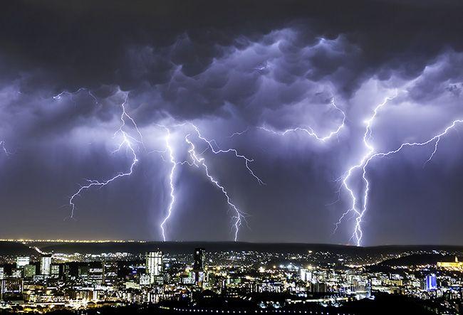 تعبیر خواب طوفان | دیدن طوفان در خواب چه تعابیری دارد؟