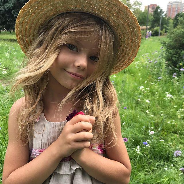 زیباترین دختربچه جهان در سال 2020 آلینا یاکوپووا