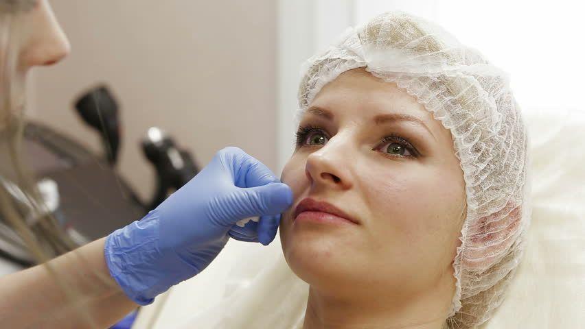 بوتاکس و تزریق ژل باکیفیت عالی در کلینیک رز