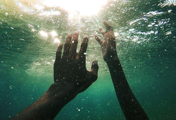 تعبیر خواب غرق شدن | دیدن خواب غرق شدن در آب چه تعبیری دارد؟