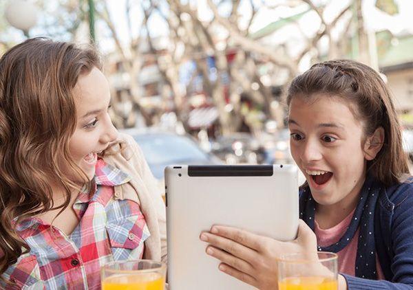 چه زمانی برای فرزندم گوشی موبایل بخرم؟